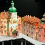 Mapping 3D, prezentowany jest na trójwymiarowej makiecie iłowskiego pałacu